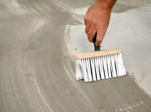 Как готовить бетонные полы к окраске