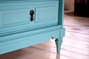 Какие краски купить для мебели
